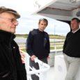 Runö alustas eile graafikujärgset laevaliiklust reisidega Ruhnust Roomassaarde ja tagasi. Reisid Pärnu sadamasse on aga seni lahtised.