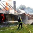 Eile hommikul hävis tules Kaarma vallas Pähkla külas suvekoduna kasutusel olnud talumaja. Inimesed õnnetuses kannatada ei saanud.