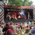 """Kireva programmi poolest tuntud festivali Juu Jääb üks tänavusi kontserte on pühendatud Eesti filmi 100. sünnipäevale ning kostitab publikut Muhus üles võetud linateostes kõlanud meloodiatega. """"Muhumaal, Koguval ja Kõinastul on […]"""