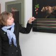 Kunstnik Anne Olop avas Kuressaares Ferrumi galeriis näitusmüügi 20 taiesest, mis annavad publikule aimu tema armastusest looduse, käsitöö ja rockmuusika vastu. Juba Ferrumi trepihallist algava väljapaneku ühelt pildilt vaatab vastu […]
