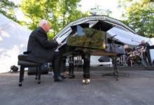 Maestro Pauls tõi Kuressaare suveõhtusse Odessa hõngu