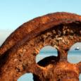 """Nendel, kel vanust 30 aasta ringis, on vahest veel meeles, kuidas Väinamerel tossutasid vaikselt laevad, mille nime lõpus oli """"-laid"""". Nüüd on neist pidevalt liinil vaid Kõrgelaid, mis rügab sõita […]"""