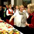 """Orissaare kultuurimaja taidlejad – kanneldajad ja naistantsurühm Koidukiir sõidavad tuleval nädalal Rootsi Mellerudi sõprusvalda muusikafestivalile. """"Meil on Mellerudiga juba pikaajalised sõprussuhted, aga taidlusrühmade vahetus on viimasel ajal jäänud pika vahega. […]"""