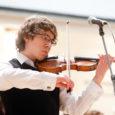 Kuressaarest pärit Johannes Põlda on üle mitme aasta ainus Eesti noor keelpillimängija, kel õnnestub muusikaõpinguid jätkata Soomes Sibeliuse akadeemias. Johannes Põlda, kes tänavu lõpetas Tallinna muusikakeskkooli, oli just eile ametis […]
