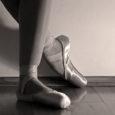 """Rahvusooper Estonia tuleb märtsikuus Saaremaale kahe haridusprojektiga, millest üks tutvustab ooperit ja teine balleti ajalugu. Haridusprojekt """"Päikesekuningast kratini"""" jõuab 16. märtsil Tornimäe ja Kihelkonna rahvamajja ning järgmisel päeval Aste põhikooli. […]"""