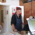 """Viis aastat tegutsenud Muhu kalakohvik, mis jõudis mitmel korral Eesti viiekümne parema toitlustuskoha hulka, oli pühapäeval avatud viimast päeva. """"Kevadel vaatasime emaga teineteisele otsa ja ütlesime, et teeme ühe suve […]"""