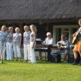 28. juuli õhtul oli Koguva Toomal sellesuvine suur simman, mis oli pühendatud Tooma vana aida 200. sünnipäevale. Selle tarvis olime kokku kutsunud kohalikud taidlejad. Abiväge saabus ka naabersaarelt. Nimelt olid […]