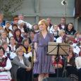 Eestimaa vabaduse taastamise 21. aastapäeval kogunes enam kui pool tuhat inimest Kuressaare linnuse hoovi, et laulda isamaalisi laule ning kuulata viimastel aastatel saartelt võrsunud laulutähti Marvi Vallastet, Teele Viirat, Margus […]
