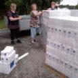 Esmaspäeval ja eile jagati Saaremaal laiali kümneid tonne Euroopa Liidu toiduabi, mis läheb edaspidi linna ja valdade sotsiaaltalituste kaudu jagamisele vähekindlustatud inimestele. Valjalga oli eile kokku 6,6 tonnile jahule, makaronidele, […]