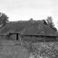 """Homsest saab Kuressaare kultuurikeskuse esimeseja teise korruse fuajeedes tutvuda fotonäitusega """"Elumustrid"""", mis on üks osa Eesti vabaõhumuuseumi juubeliürituste sarjast """"Muuseum tuleb külla"""". """"Näituse nimi """"Elumustrid"""" on mitmetähenduslik. Saaremaal on meie […]"""