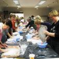 """Saaremaa Kunstistuudios alustab Eesti Vabaharidusliidu (EVHL) programmi """"Täiskasvanute koolitus vabahariduslikes koolituskeskustes"""" raames neli kursust. • Loovuse õpetamine abiõpetajatele läbi käelise kogemuse – 15 akadeemilist tundi, sihtgrupp: lasteaedade abiõpetajad. • Tasakaalustatud […]"""
