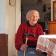 Täna saab 101-aastaseks Orissaare vallas Mäekülas elav Raissa Järmut. Saare maavalitsuse perekonnaseisuameti kantselei andmetel on üle saja-aastaseid naisi meie maakonnas kokku viis. Vanim neist on 103-aastane Ida Truuvert Kuressaarest, kes […]