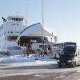 """Väinamere Liinide teatel toimib liiklus Kuivastu-Virtsu, Heltermaa-Rohuküla ja Triigi-Sõru parvlaevaliinidel graafikujärgselt. Väinamere Liinide teenindusjuht Anu Hiiuväin märkis, et Väinamerel on ilmastikuolud talvised, ent rahulikud ning liiklus toimib sujuvalt. """"Lumetuisust, mis […]"""