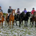 Reinu ratsatalus toimus 27. oktoobril koolilastele mõeldud Vaheajakarika sarja esimene etapp. Ilmataat laotas küll lumevaiba maha, kuid see ei seganud siiski võistluste korraldamist. Lapsed said eelnevalt olla Reinu ratsatalus kolmepäevases […]