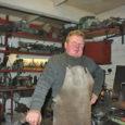 Kui Leedri küla Roosta talu peremehe Ado Vakkeri iseloomustamiseks sporditerminit kasutada, siis võib teda julgelt nimetada mitmevõistlejaks, kes võrdse meisterlikkusega valdab kohe mitut ala. Talu töökodades puidu- ja metallitööd tegev […]