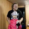 Südalinnas hiljuti kaduma läinud kaisulammas sattus puiduveolaevaga Saksamaale ning jõudis eile taas üliõnneliku omaniku, 8-aastase Kuressaare tüdruku juurde tagasi. Südamlik taaskohtumine lamba ja lapse vahel toimus eile keskpäeval Roomassaare sadamas […]