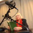 """Saaremaa rahvateater, kes jaanuaris tähistab oma 50. sünnipäeva, tahab oma näitlejate hääled plaadile jäädvustada. Koostöös Kadi raadioga loeb 53 näitlejat järjejutuna sisse Oskar Lutsu """"Kevade"""" kõik 53 peatükki. Idee autor […]"""