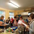 """Koolide ja lasteaedade toidulaual leiavad üha enam väärtustamist kohalikud juur- ja puuviljad ning piima- ja lihasaadused. Projektis """"Growing gastronauts"""" osalevad saarlased käisid sel alal kogemusi omandamas Lõuna-Eestis, kus talunike ja […]"""