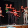 Laupäeval said kõik Orissaare kultuurimajja kutsutud külalised vau!-efekti osaliseks. Kui Orissaare kultuurimaja noorte tantsurühm Viirelind tegeleb teatavasti ju rahvatantsuga, siis nende kontserdi teiseks pooleks oli 16 numbrist kokku seatud professionaalne […]