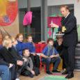 Suure reisilaeva kapten ja kirjanik, mullu oma esimese lasteraamatu kirjutanud Lembit Uustulnd kohtus esmakordselt kooliõpilastest lugejatega mitte oma kodulinnas, vaid Stockholmi Eesti koolis. Enam kui kuu aega hiljem astus kirjanik […]