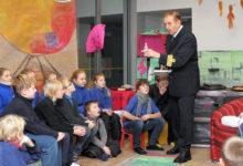 Stockholmi ja Kuressaare lapsed kohtusid Lembit Uustulndiga