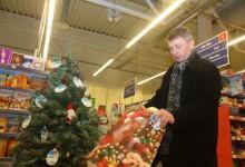 Inglipuu ootab rasketes oludes lastele jõulukinke