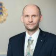 Põllumajandusminister Helir-Valdor Seeder (pildil) tuli välja ideega, et 13 Eesti erinevat riigiasutust võiks viia Tallinnast ära ja paigutada üle Eesti erinevatesse paikadesse. Tema sõnul võiks Eesti Interneti Sihtasutus (EIS) paikneda […]