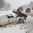 Eile pärastlõunal oli avarii tõttu häiritud liiklus Kuressaare–Kuivastu maanteel enne Upa teeristi. Linna poolt tulnud lumesahale sõitis sama saha poolt tekitatud lumesodi ja halva nähtavuse tõttu otsa vanem Saab. Kokkupõrge […]