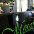 Alates tänasest on Kuressaare südalinnas asuvas kohvikus Mosaiik ülal väljapanek, kust leiab ainueksemplare Saaremaalt pärit moelooja Piret Pupparti brändi Uschanka kollektsioonidest. Pupparti sõnul on Mosaiigis müügiks näidismudelid viimasest talvekollektsioonist ning […]