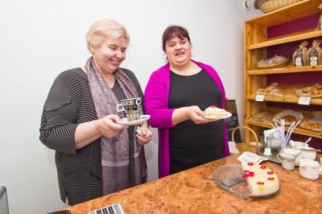 Valjala torte saab linnas Mamsli pirukapoest