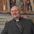 """EELK Kaarma Peeter-Pauli koguduse õpetaja Hannes Nelis asutas koos abikaasaga ettevõtte Nelis Grupp OÜ. """"See on kummaline või hämmastav küll, et kirikuõpetaja tegeleb ka teiste asjadega, aga nii see on,"""" […]"""