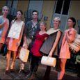 Nädalavahetusel Tallinnas toimunud moeloomingukonkurss Moedepoo osutus Saaremaalt pärit Laura Saksale võidukaks. Nimelt pälvis nääpsuke blond neiu, kes õpib tegelikult hoopis kokaks, konkursi vanemas vanuserühmas esikoha. Moedepoo finalistide sekka valiti Laura […]