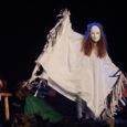 """Neljapäeva õhtu hakul kuulutati Salme rahvamajas avatuks IV """"Oma laste näitemänguõhtu"""". Väikestviisi juba traditsiooniks kujunenud üritus, kus seekord toodi publiku ette seitse erinäolist näidendit. Lavale toodud lugudes räägiti väikeste inimeste […]"""