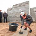 Eile pärastlõunal koguneti Kuressaares Merikotka elurajooni, et panna pidulikult nurgakivi Merikotka residentsile – 14-korterilisele omanäolise lahendusega kortermajale. Korterelamu projekti juhtiva LVM Kinnisvara andmeil on Merikotka 9 ehitatav eluhoone esimene arendusprojekt, […]