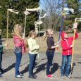 """Projektis """"Silma ilma"""" osalenud koolidel tuli nelja nädala jooksul teha ilmavaatlusi. Koolide vahel loositud auhinna, Fred Jüssi """"Linnuaabitsa"""" saavad Saaremaalt Leisi keskkooli 5. kl, Muhu põhikooli 5. kl, Kihelkonna kooli […]"""