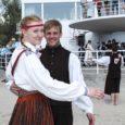 """Pühapäeval Pärnus korraldatud labajalatantsu võistutantsimisel Pärnu Labajalg 2013 saavutasid Saaremaa tantsijad esikoha nii sega- kui ka naispaaride arvestuses. """"Võit tuli küll üllatusena, sest koos võistlesid nii noored, täiskasvanud kui ka […]"""