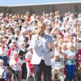Eile peatus Saaremaa Sadamas Birka Cruises laev Birka Stockholm, mille pardal üle tuhande rootslasest koorilaulja. Rootsi hobi-koorilauljad seilavad laulukruiisil Läänemerel, et lustida sealmail populaarse laulujuhi Gabriel Forssi (fotol esiplaanil) taktikepi […]