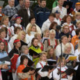 """Seekordne, 50. laulupidu """"Saagu, saagu üks saar"""" kutsub kõiki saarlasi ja külalisi, lauljaid ja tantsijaid, pillimängijaid ja käsitöölisi koos pidu pidama. Kontserte ja näitusi jagub nii Kuressaare lossihoovi, kesklinna kui […]"""