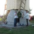 Laupäeva õhtul avati Lümanda vallas Leedri külas ühes jaanipäeva tähistamisega põhjaliku restaureerimise läbinud Anetsi tuulik. Tuulik sai väliselt korda tänu külarahva initsiatiivile ja töökätele. Talgukorras lõi sügisest saati tuuliku päästmise […]