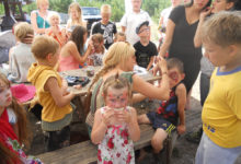 Lasterikkad pered lustisid suvelaagris