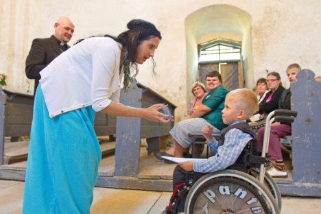 Kaarma kirikus kogunesid erilised lapsed