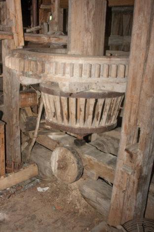 Vesiveskite ehk vesikute ajalugu on Saaremaal tuulikute omast pikem