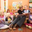 """Saare maakonna aasta haridustöötaja kaheksast tiitlist viis kuulub Saaremaa ühisgümnaasiumiga seotud inimestele. Aasta lasteaiaõpetaja aunimetuse pälvis tänavu Elle Viira Mustjala lasteaed-põhikoolist. """"Staažikas ja lapsevanemate silmis hinnatud õpetaja on oma käitumise […]"""