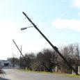 """Nädal tagasi Saare maakonna elektrivarustuses laastamistööd teinud torm andis Elektrilevile tööd veel eilegi. """"Kui kõrgepingeliinid saime töösse läinud neljapäeva õhtuks, siis madalpingeliinid korda alles pühapäeva päeval ning osade suvilate voolu […]"""