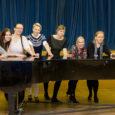 Jaanuari lõpus toimub Kuressaare gümnaasiumis (KG) Eesti noorte lauljate konkurss Solistica 2014. Ühena korraldusmeeskonnast olen silma peal hoidnud kodulehel www.oesel.ee/solistica ja konkursi meediakajastusel. Ettevalmistusperioodil toovad mulle sära silmi meie KG […]