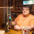 Paevere küla Aida talu perenaine Lija Klein on tuntust kogunud nii hoidiste tegija kui ka ehtemeistrina. Talu noorperemees Taavi, piirivalvelaeva kokk-tekimadrus, on see, kes kuus aastat tagasi ema käsitöökursustele meelitas. […]