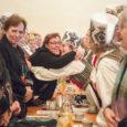 """Laupäeval Sandla kultuurimajas toimunud II talvisele memme-taadi laulu- ja tantsupeole kogunes üle kahesaja inimese. """"Loodame, et tänane pidu tuleb ütlemata kena ja meeldejääv,"""" sõnas Sandla kultuurimaja direktor Annely Õisnurm pidu […]"""