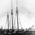 See lugu algas vahetult enne Esimest maailmasõda, kui kamp hiidlasi hakkas 1914. aasta varakevadel Lääne-Saaremaal Lahetaguse mõisa rannas vanal laevaehitusplatsil kolmemastilist kuunarit ehitama. Eestvedaja oli Emmaste valla reeder Siim Pau […]