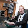 Telekaparandaja ja kodumasinate remontija Ardo Tulit on väga paljudele saarlastele tuttav. Kui mitte nime-, siis vähemalt nägupidi. On ta ju üle kümne aasta saarlaste telereid ja kodutehnikat putitanud. Läinud aastal […]