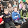 """Neljapäeval laulsid Saaremaa ühisgümnaasiumis koos poistekoorid ja Saaremaa meeskoor SÜM, neid juhendas liigijuht Indrek Vijard. Reedel tegid aga Kuressaare kultuurikeskuses proovi mudilaskoorid (dirigent Anne Kann, liigijuht Aarne Saluveer). """"Üldjoontes on […]"""
